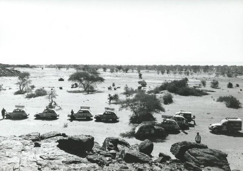 Les BERLIET et 2cv du RAID AFRIQUE 1973 Capt2015
