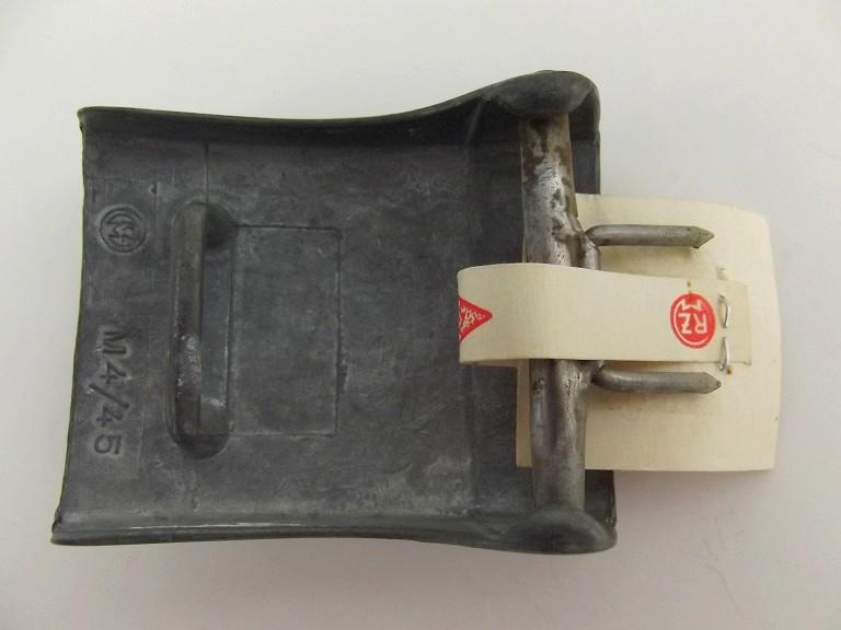 Boucle HJ (zinc) avec étiquette RZM - RZM M4/45 Dscf0113
