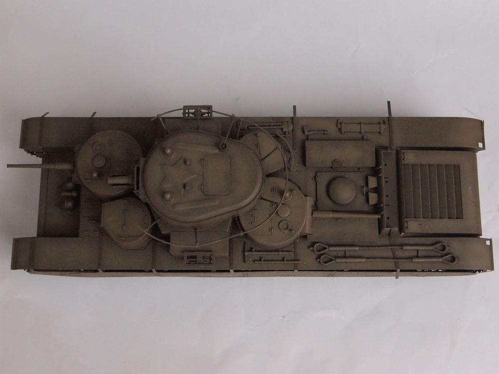 T-35 début de production [Hobby Boss ref 83841 echelle 1/35): la peinture Mon1511