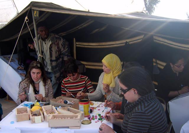تحضيرات تظاهرة ساحات تنسج.. في القيروان 2008 (isamk) Tiss8011