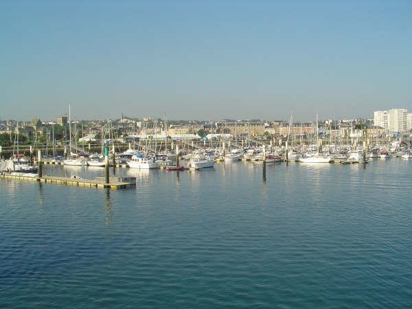 [Activité des ports hors Marine] LE PORT DE CHERBOURG - Page 5 Dsc00116