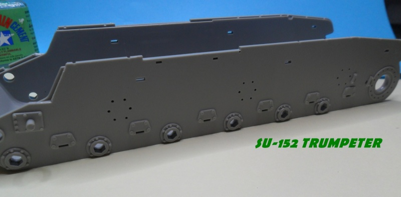 SU-152 LATE Trumpeter 1/35 Sam_5030
