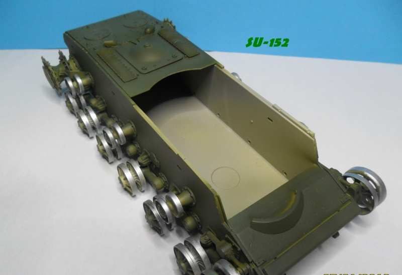 SU-152 LATE Trumpeter 1/35 - Page 2 Sam_5120