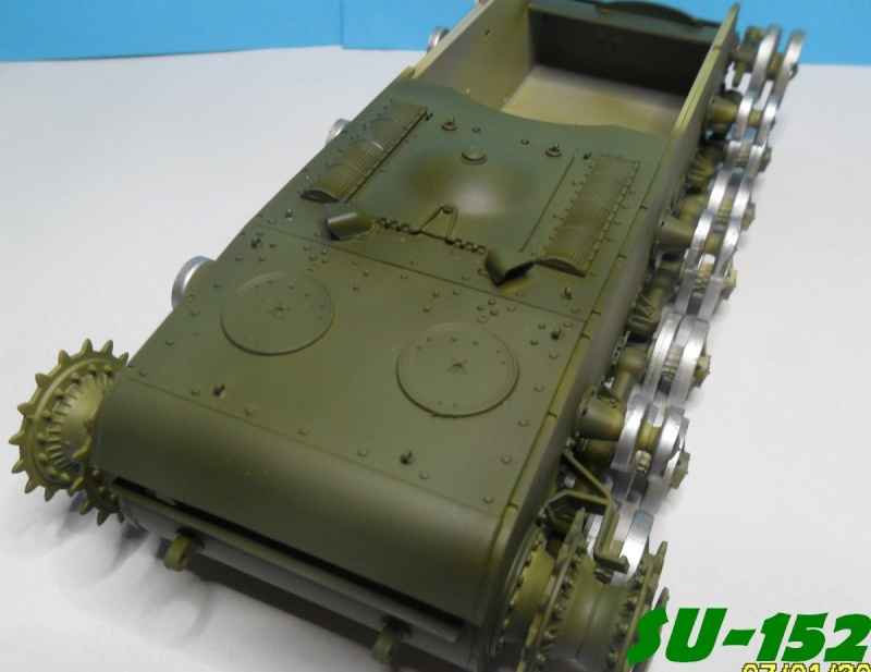 SU-152 LATE Trumpeter 1/35 - Page 2 Sam_5122