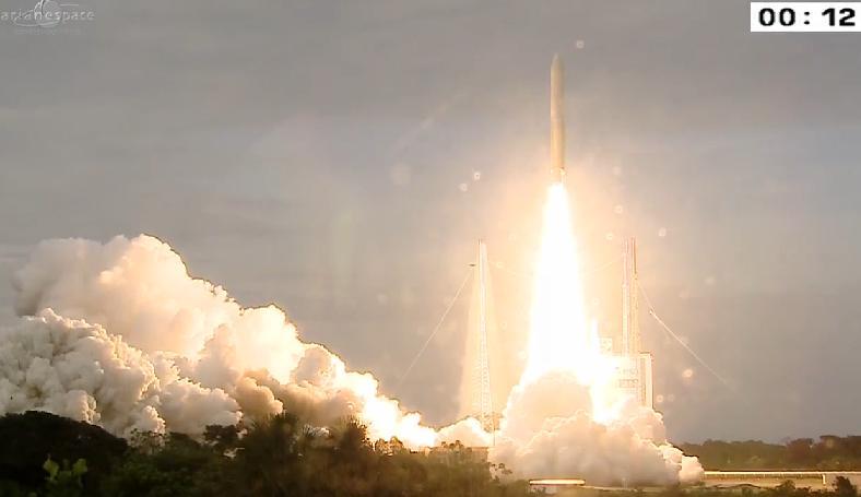 Lancement Ariane 5 ECA VA225 / Eutelsat 8 West B + Intelsat 34 - 20 août 2015 - Page 2 Ar0210