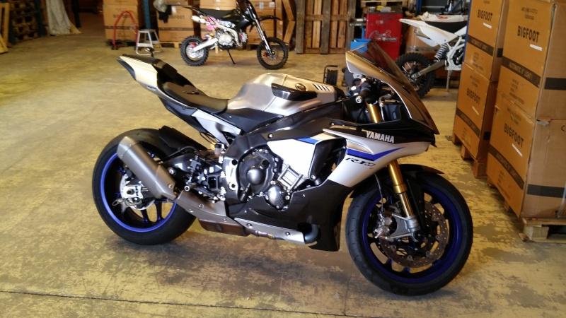Yamaha R1 et R1M  Crossplane 2015 ( sujet numero2 ) - Page 2 20150610
