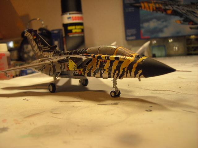 "Tornado ECR ""tigermeet 2011/12"" REVELL 1/72. Tornad10"