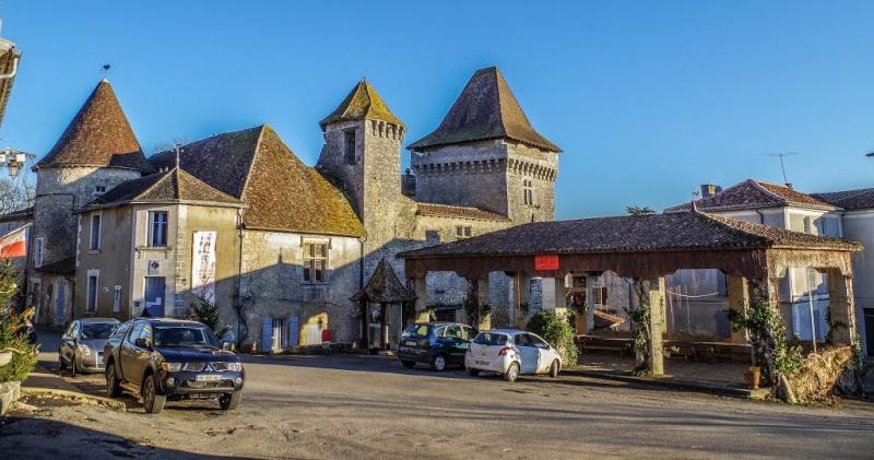 Déménagement de châteaux ou églises d'un continent à l'autre : mythe ou réalité ? 11889910