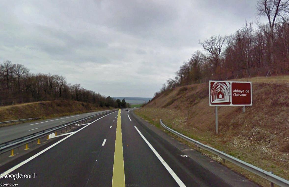 Panneaux touristiques d'autoroute (topic touristique) - Page 2 Abbaye10