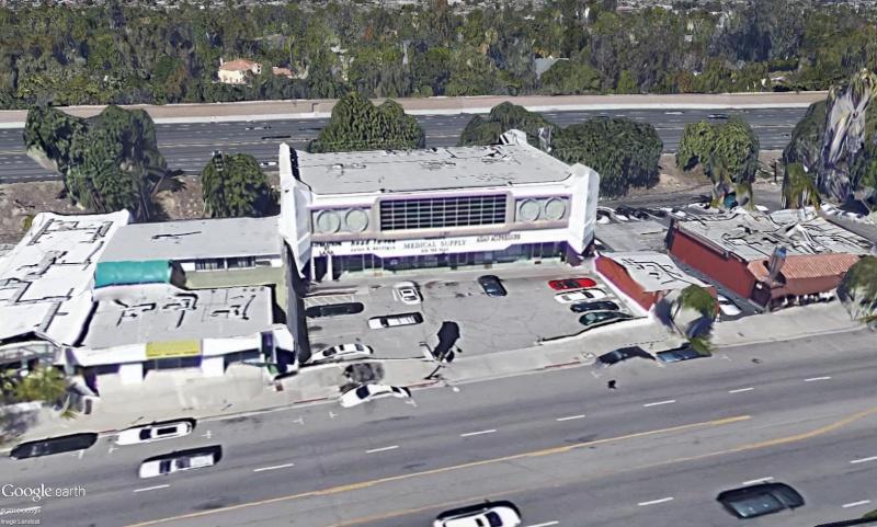 Fletwood Center (Los Angeles) : un immeuble avec une gueule de Cadillac  Chysle11