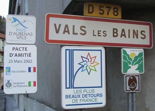 STREET VIEW : les façades de magasins (France) - Page 2 Pannea10