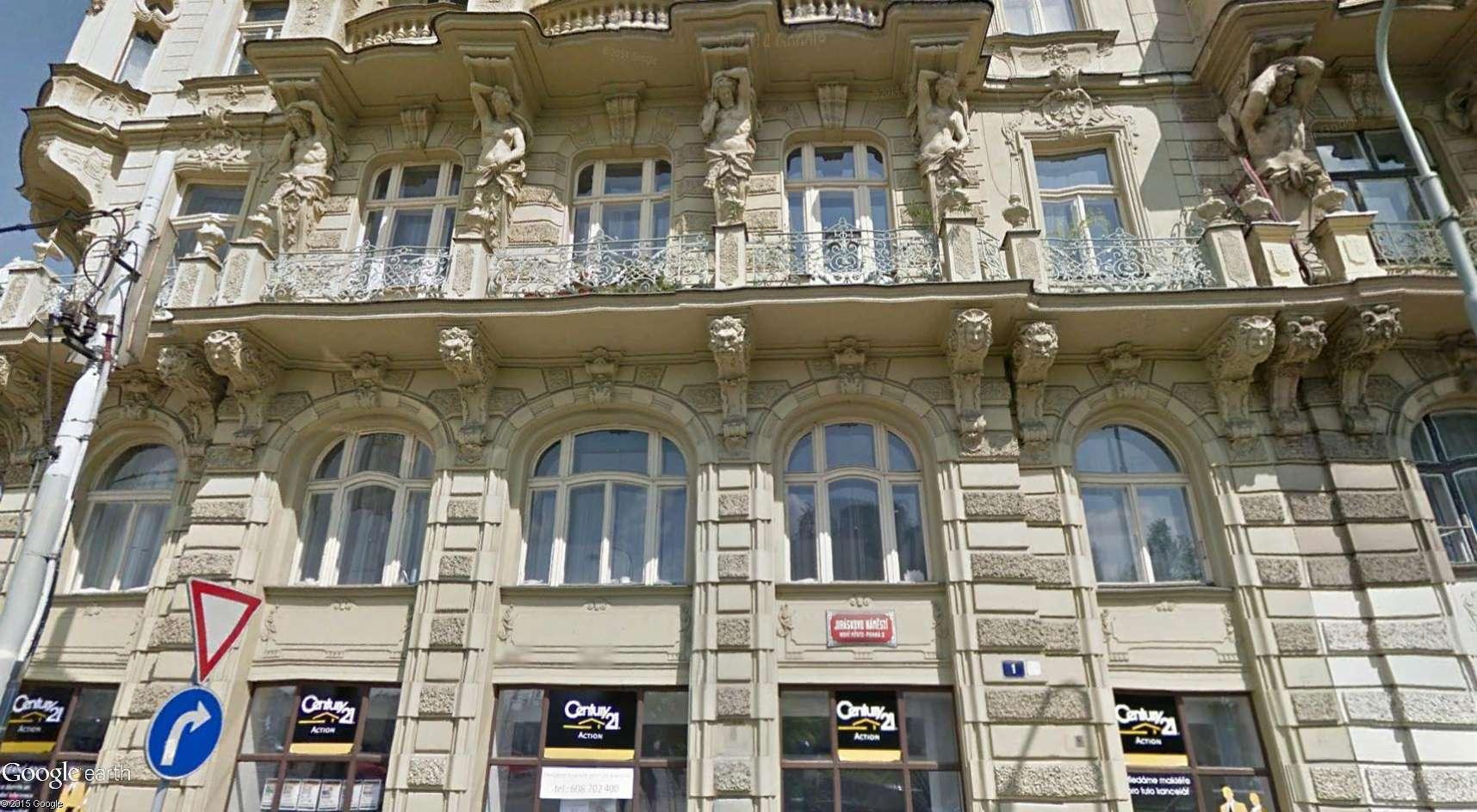 ARCHITECTURE : cariatides et atlantes - Page 2 Prague13