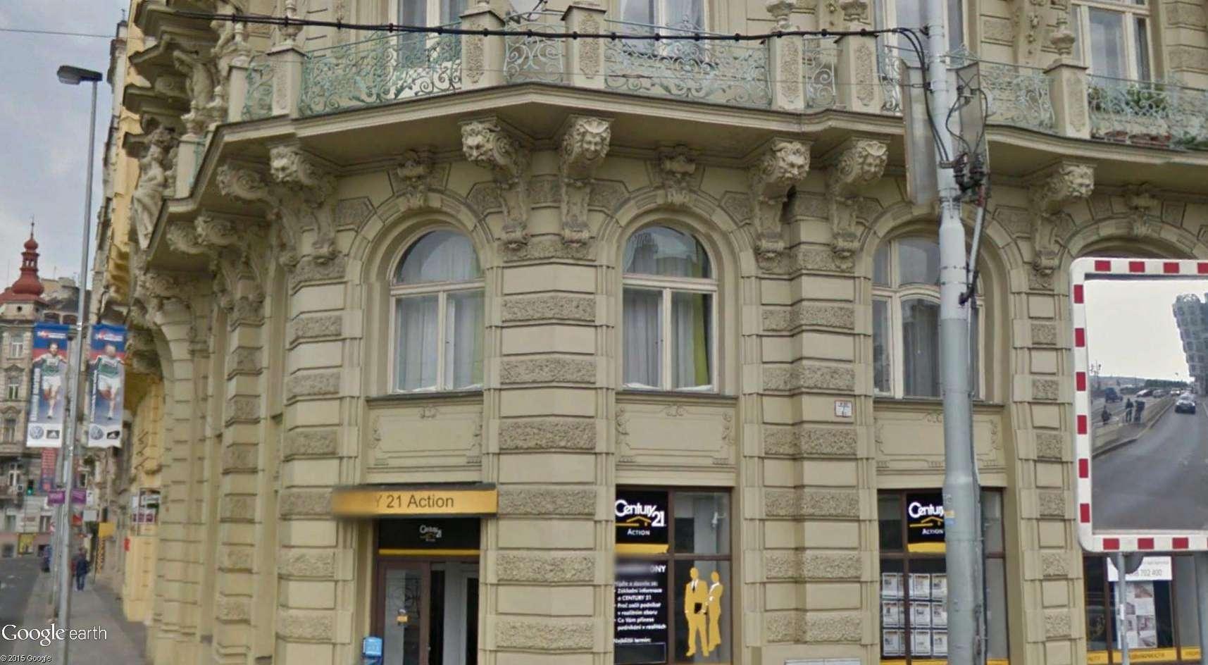 ARCHITECTURE : cariatides et atlantes - Page 2 Prague14