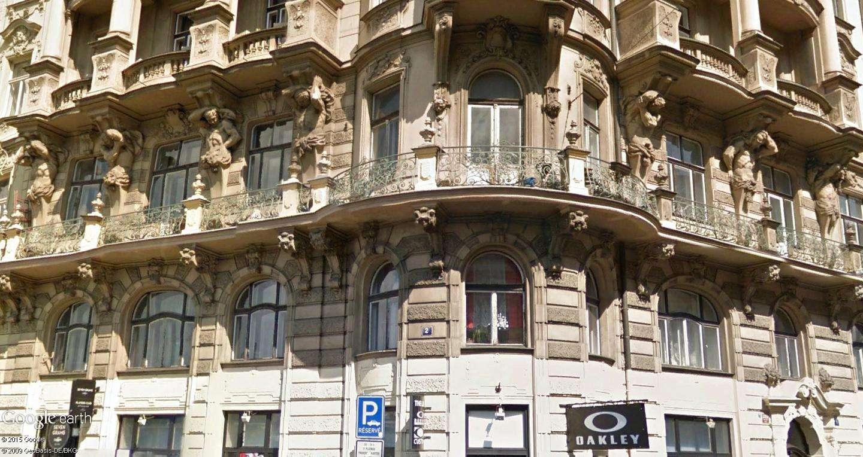 ARCHITECTURE : cariatides et atlantes - Page 2 Prague16