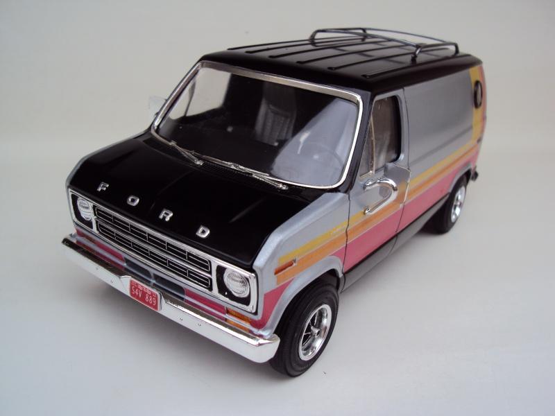 Ford Econoline Cruising Van Dsc09638