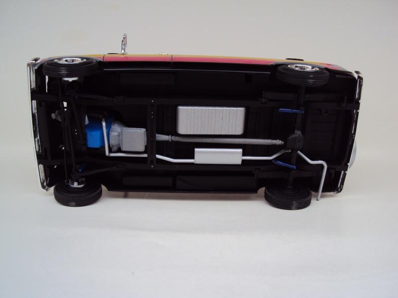Ford Econoline Cruising Van Dsc09643