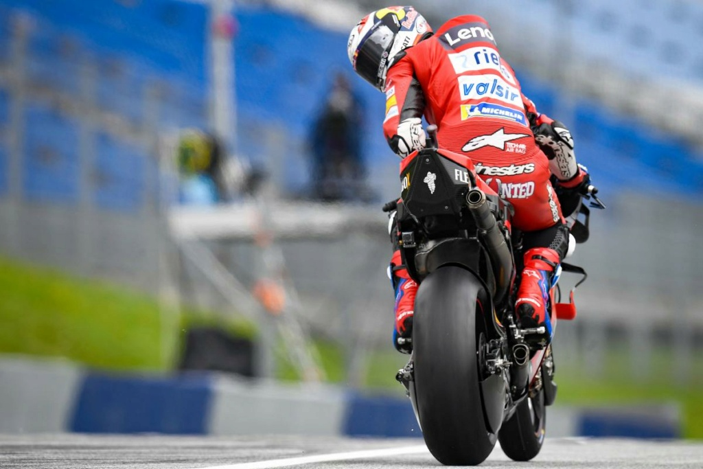 MotoGP Moto2 Moto3 2020 - Page 24 04-and11
