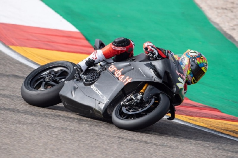 Ducati V4 Panigale - Page 14 2370f310