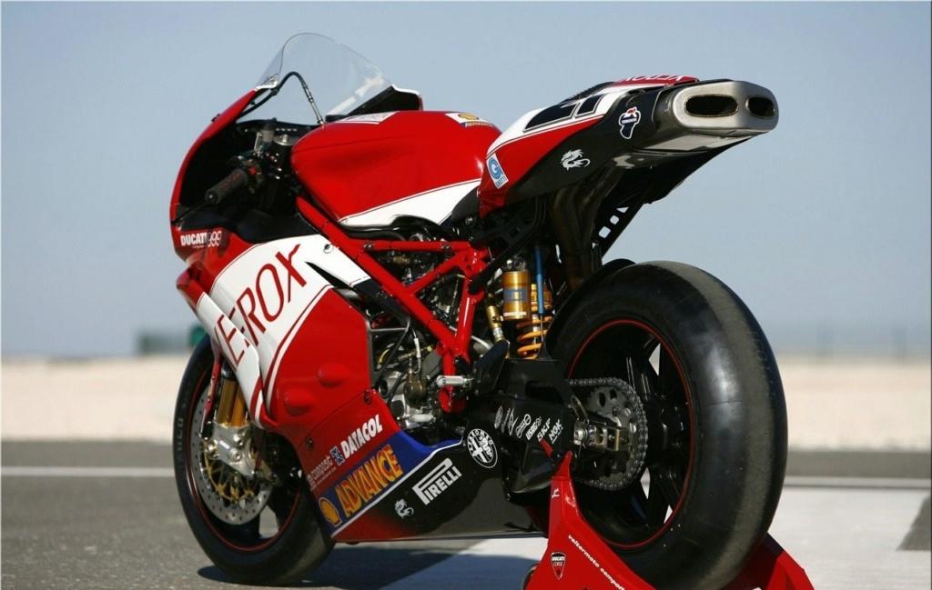 Ducati V4 - Page 16 2fda3f10