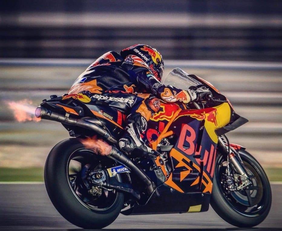 Moto GP Moto2 Moto3 2019 - Page 6 D0zhic10