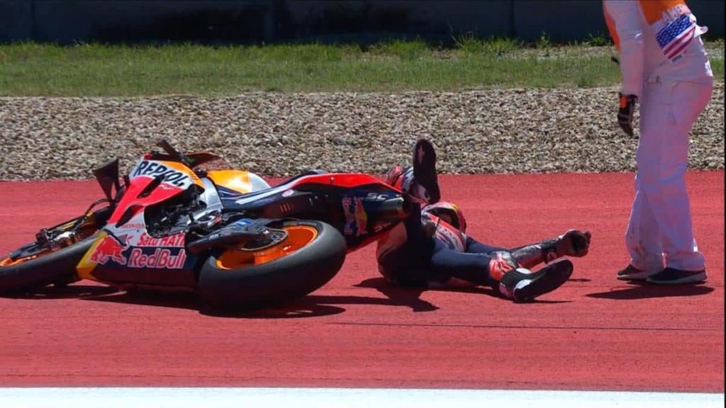 MotoGP Moto2 Moto3 2019  - Page 15 D4iyrx10