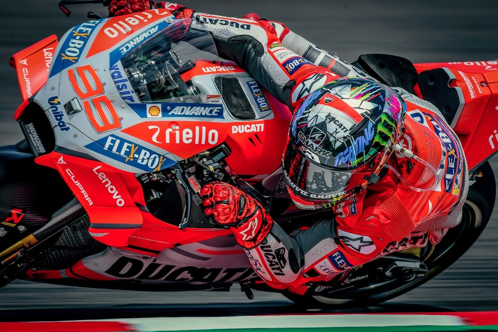 MotoGP 2018 - Page 2 Dfvfou10