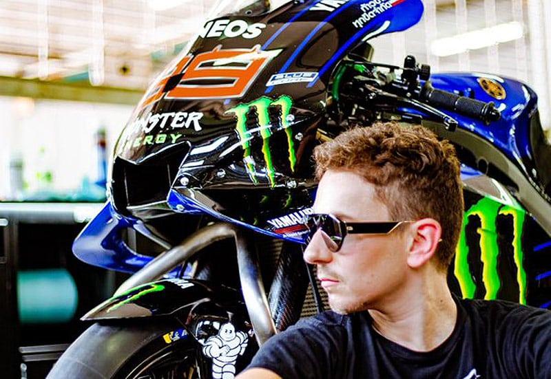 MotoGP Moto2 Moto3 2020 - Page 7 Lorenz11