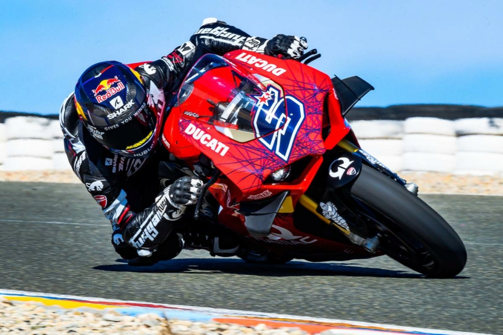 Ducati V4 Panigale - Page 22 Test-110
