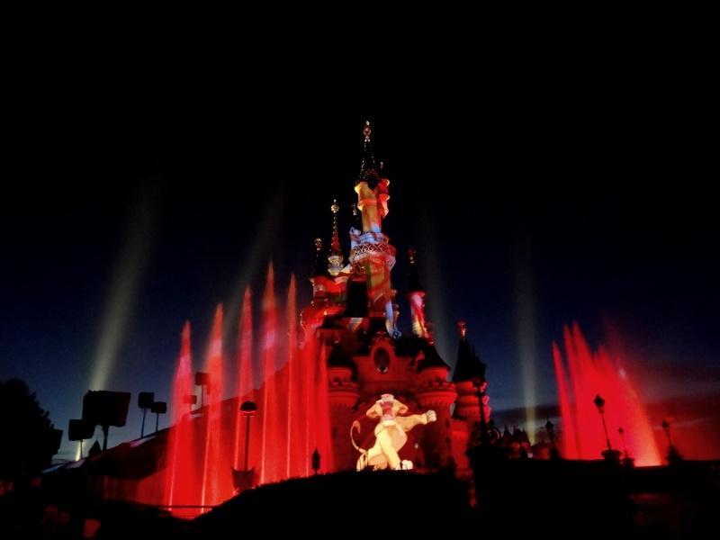 Vos photos nocturnes de Disneyland Paris - Page 6 Dsc02410
