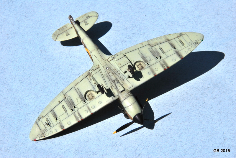 [Airfix] Spitfire MkIa Squadron 610 Dsc_4028
