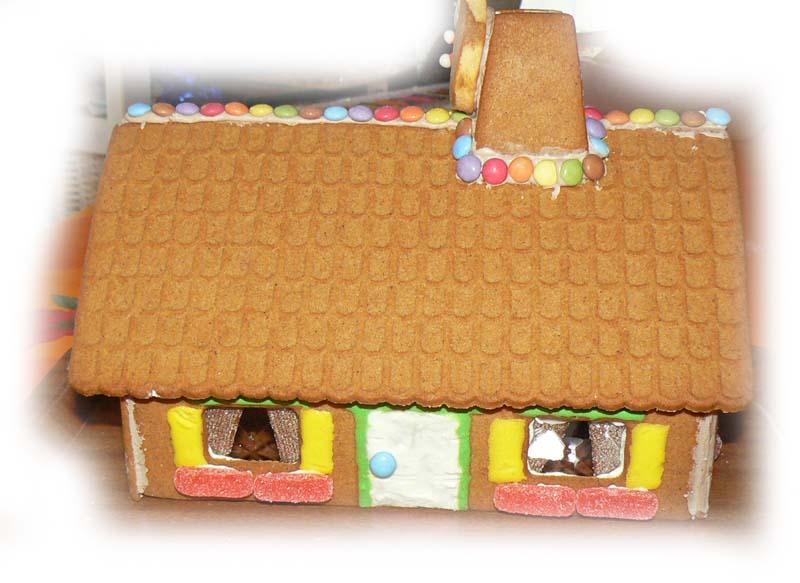 la maison de Hansel et Gretel Porte_10