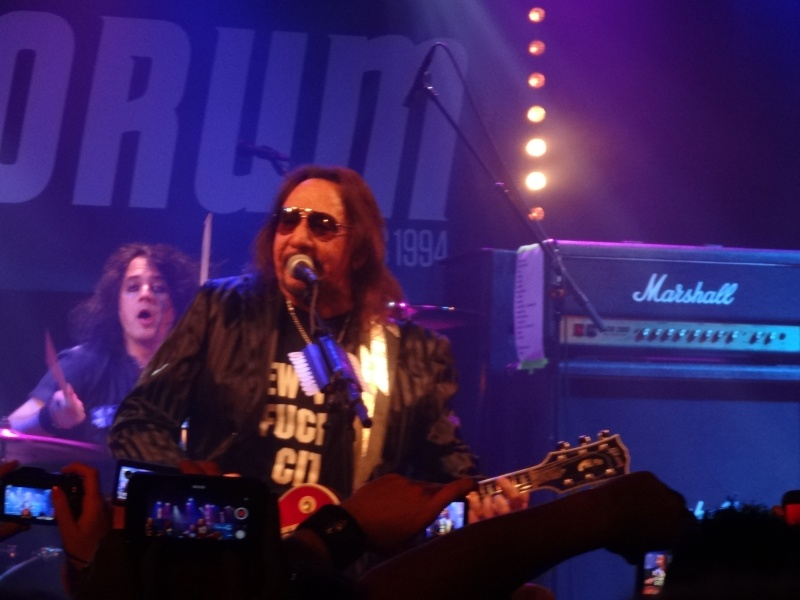 ACE FREHLEY  Dsc02440