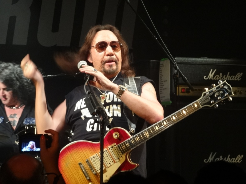 ACE FREHLEY  Dsc02516