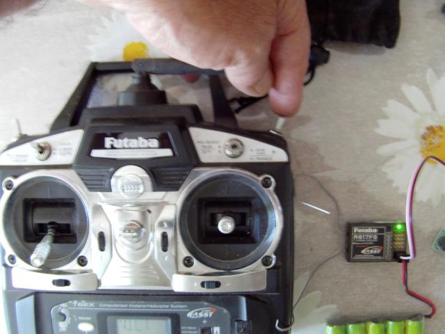 Montage d'un buzzer sur radio Futaba T 7 Montag13