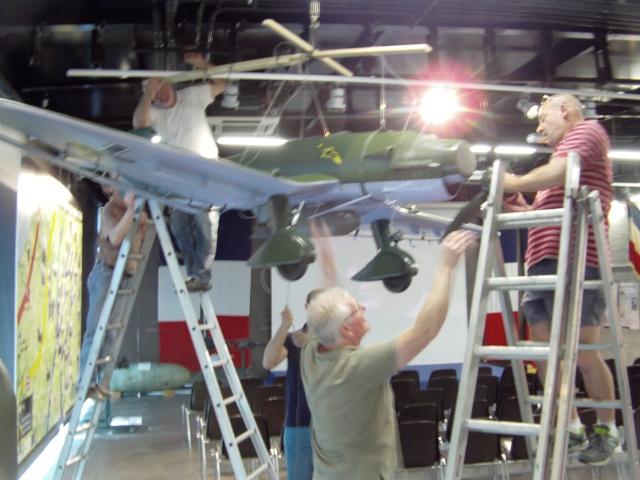 Montage du Stuka au Musée Stuka_75