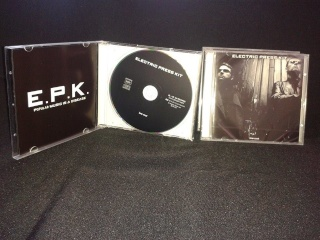 "ELECTRIC PRESS KIT ""LOW COST"" Nouvel album! Photo_11"