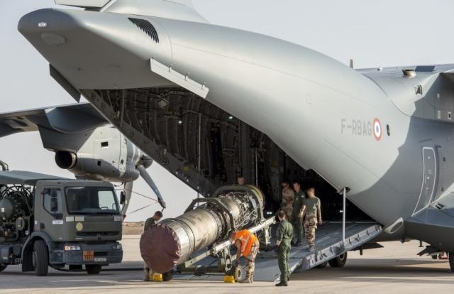 A400M - Essais de largage par tranche arrière pour l'A400M Ob_e9f10