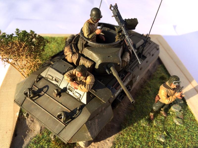 [ITALERI - 1/35] M8 Greyhound et son équipage Img_0410