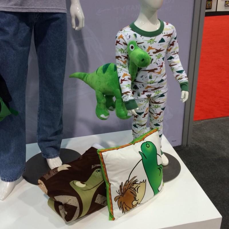 """The Good Dinosaur"" ""Le Voyage d'Arlo""  Pixar/Disney - 25 Novembre 2015 - Page 2 Produi11"
