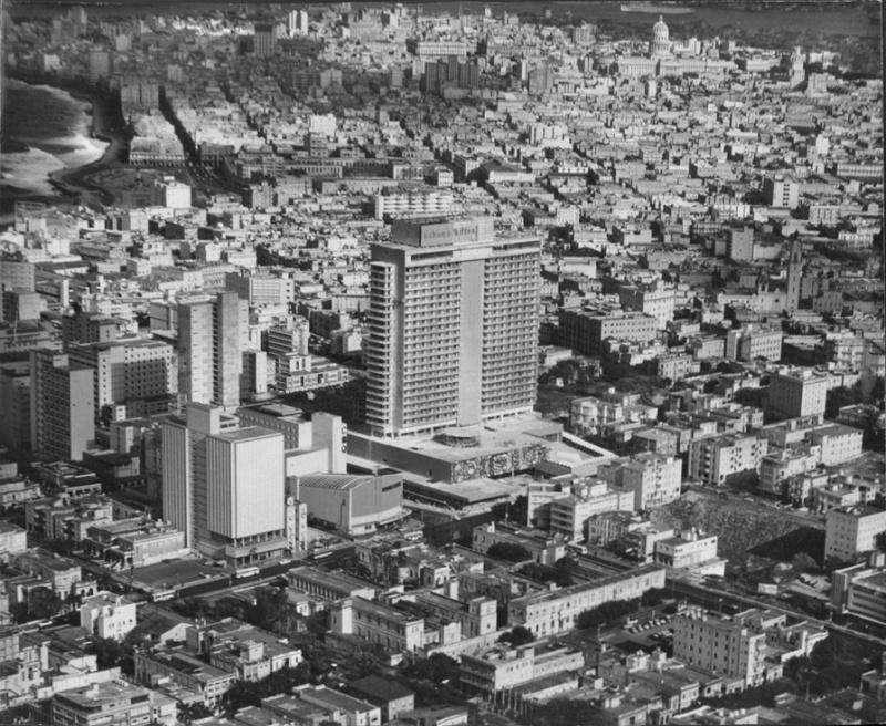 1958 - FOTOS DE CUBA ! SOLAMENTES DE ANTES DEL 1958 !!!! - Página 18 Hilton11