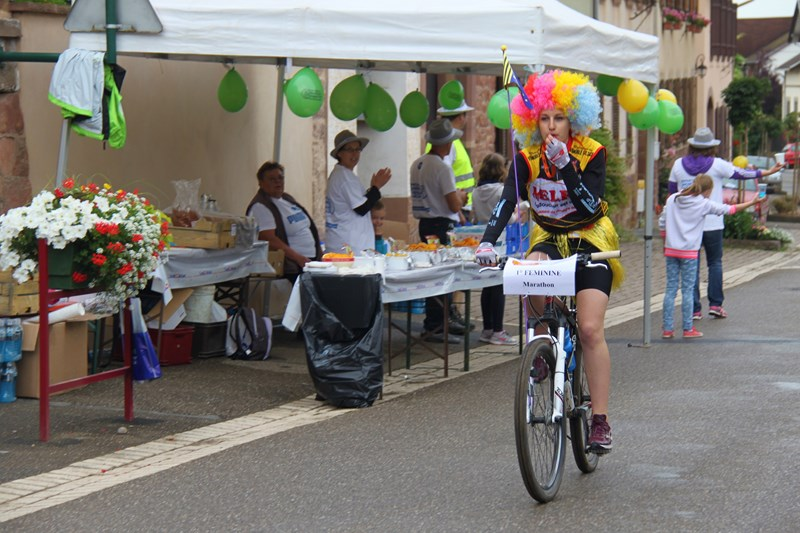 11 ème édition du Marathon du Vignoble d'Alsace et son passage à Wangen le 21 juin 2015 Img_8012