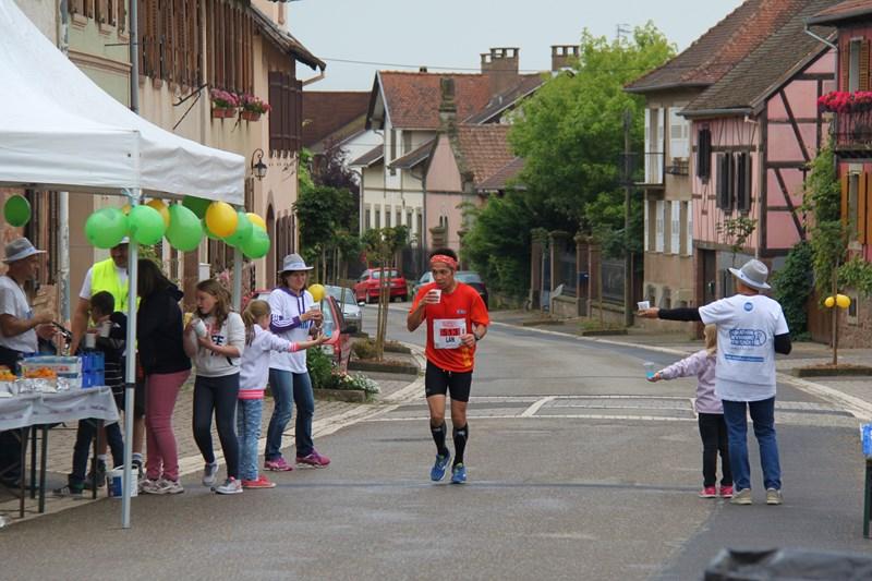 11 ème édition du Marathon du Vignoble d'Alsace et son passage à Wangen le 21 juin 2015 Img_8110
