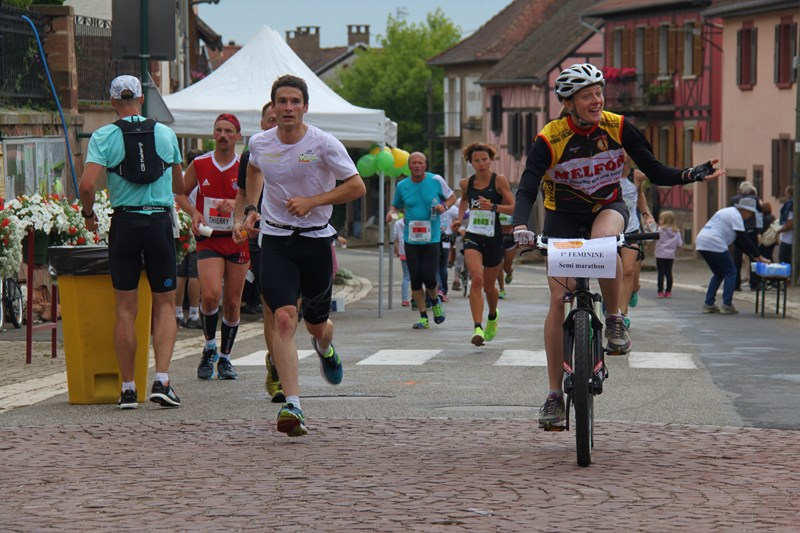 11 ème édition du Marathon du Vignoble d'Alsace et son passage à Wangen le 21 juin 2015 Img_8116