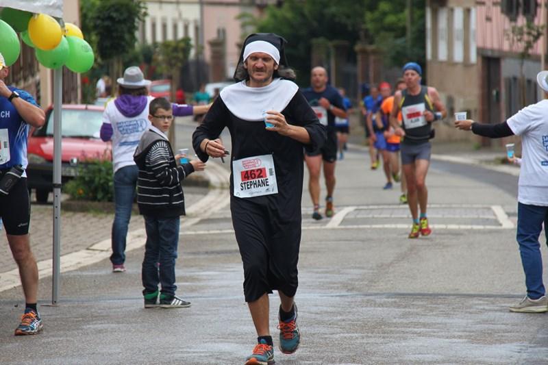 11 ème édition du Marathon du Vignoble d'Alsace et son passage à Wangen le 21 juin 2015 Img_8117