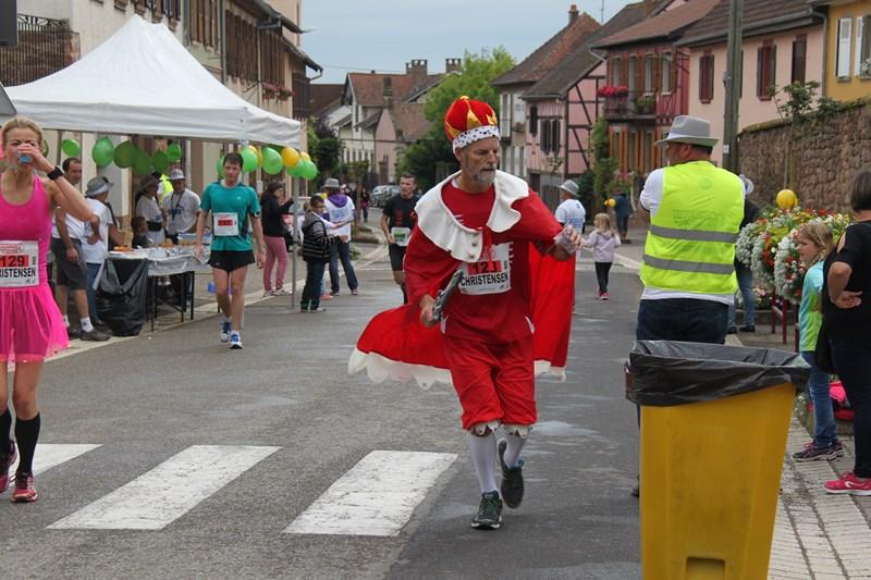 11 ème édition du Marathon du Vignoble d'Alsace et son passage à Wangen le 21 juin 2015 Img_8118