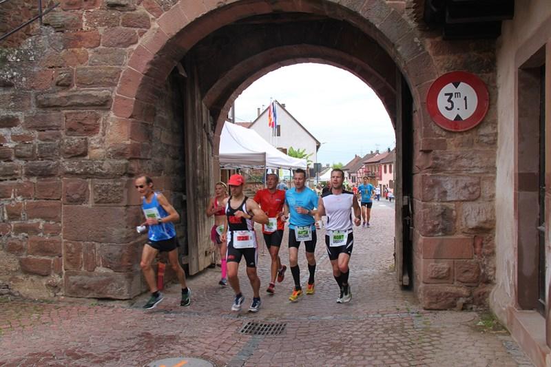 11 ème édition du Marathon du Vignoble d'Alsace et son passage à Wangen le 21 juin 2015 Img_8120