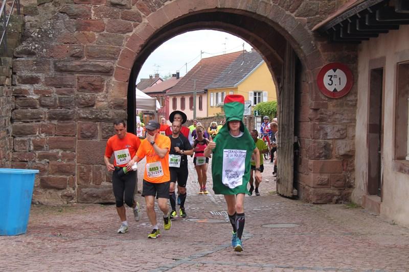 11 ème édition du Marathon du Vignoble d'Alsace et son passage à Wangen le 21 juin 2015 Img_8211