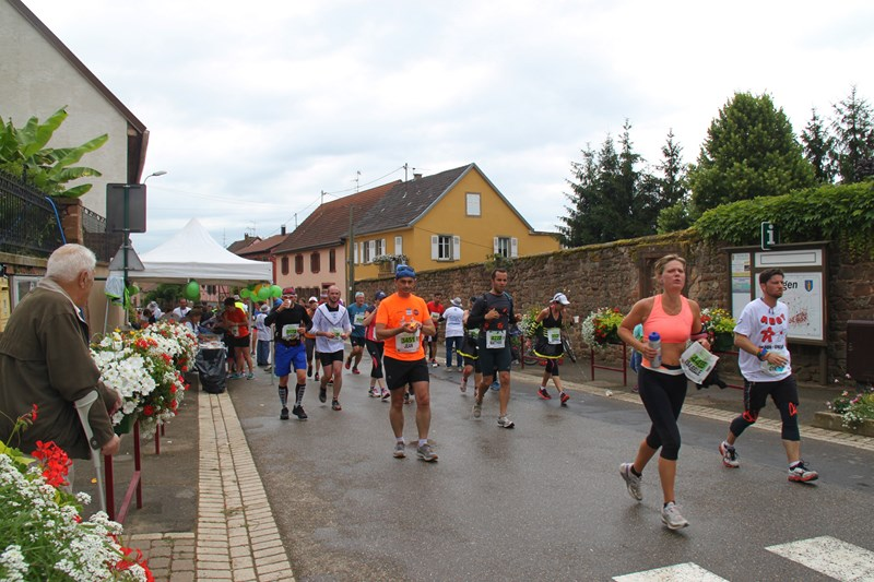 11 ème édition du Marathon du Vignoble d'Alsace et son passage à Wangen le 21 juin 2015 Img_8215