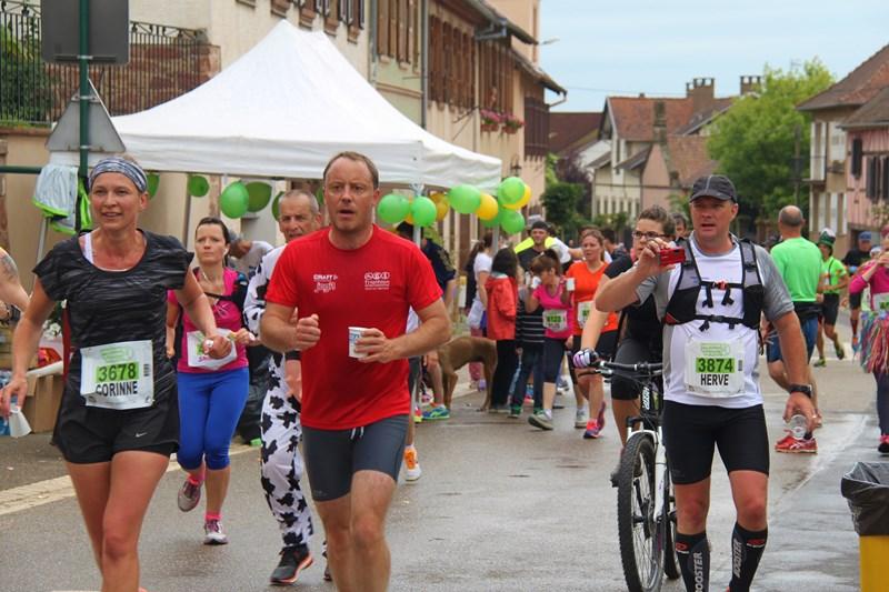 11 ème édition du Marathon du Vignoble d'Alsace et son passage à Wangen le 21 juin 2015 Img_8217