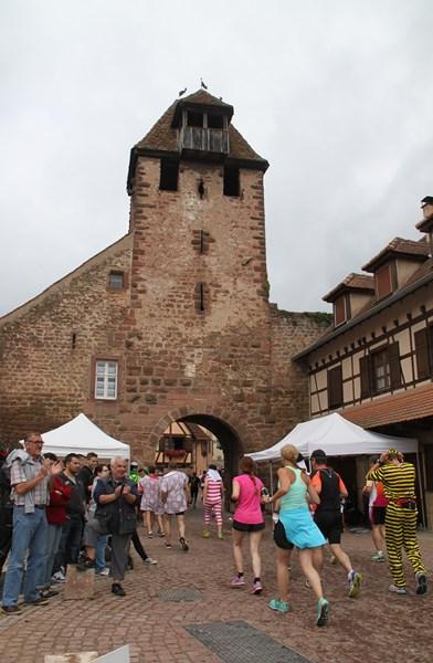 11 ème édition du Marathon du Vignoble d'Alsace et son passage à Wangen le 21 juin 2015 Img_8223
